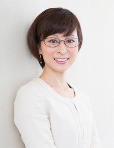 声優、アナウンサーにとどまらず、幅広い「話す」仕事で活躍する小松美智子さん(画像:エクステンション)