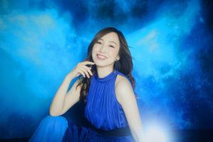 「ガンダム」シリーズの楽曲を多数歌唱している、歌手の森口博子
