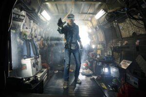 VR空間を舞台に物語が展開する『レディ・プレイヤー1』。洋画専門CS放送ザ・シネマでも、2020年4月から同作本編と関連作品が放送されている (C) Warner Bros. Entertainment Inc.